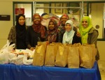 Islamic youth program provides 100 Thanksgiving meals to families