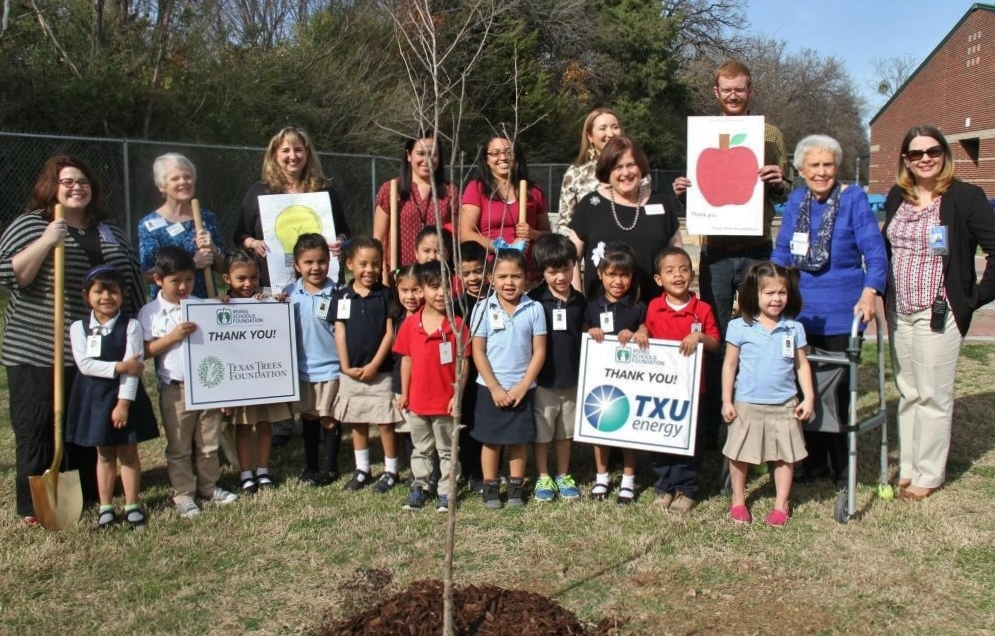 Txu Energy Donates Trees For Outdoor Learning Rambler